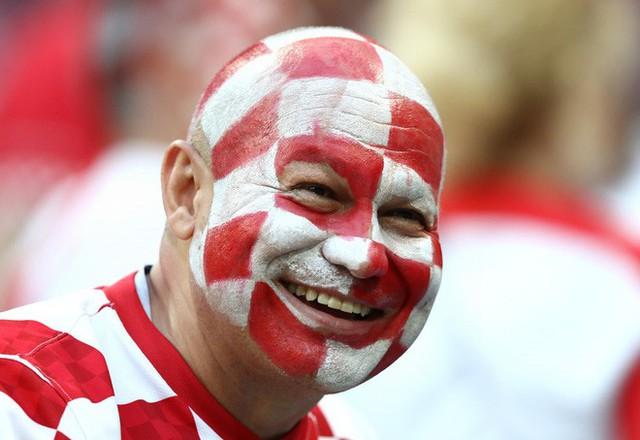 đầu tư giá trị - photo 10 15313582415391468004520 - CĐV Croatia mừng phát điên khi đội nhà lần đầu tiên vào chung kết World Cup