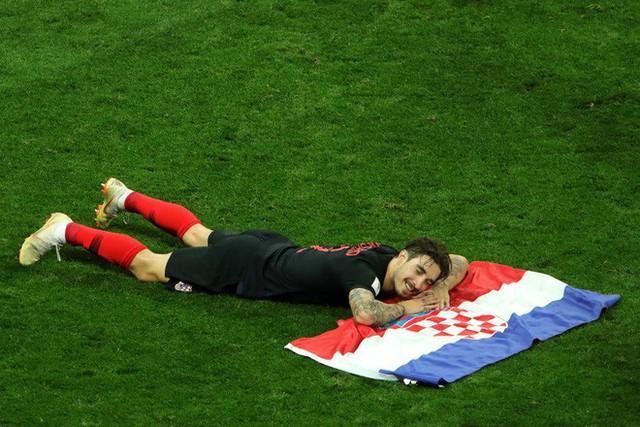 đầu tư giá trị - photo 23 15313582415511962603901 - CĐV Croatia mừng phát điên khi đội nhà lần đầu tiên vào chung kết World Cup