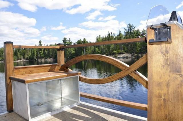 Trải nghiệm cảm giác sống tiện nghi như đất liền trên ngôi nhà thuyền chạy bằng điện Mặt Trời - Ảnh 5.