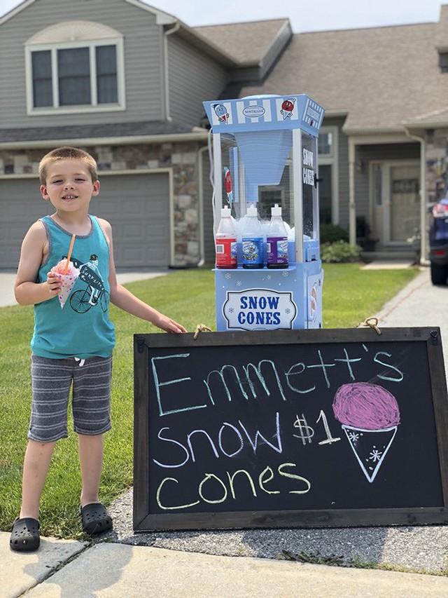 đầu tư giá trị - photo 4 1531721951194279558133 - Ông bố dạy con bài học đầu tiên về tiền bạc, không ngờ cậu bé lại kinh doanh thành công ngay từ khi 6 tuổi