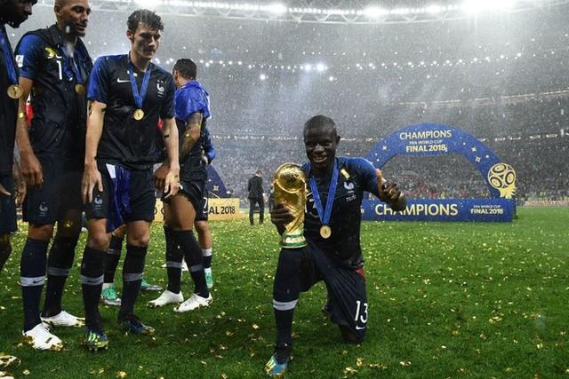 N'Golo Kante: Có một nhà vô địch chỉ thích đứng sau ánh hào quang - Ảnh 2.