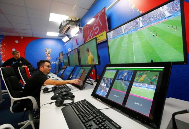 World Cup 2018 và tương lai của bóng đá với VAR - Ảnh 2.