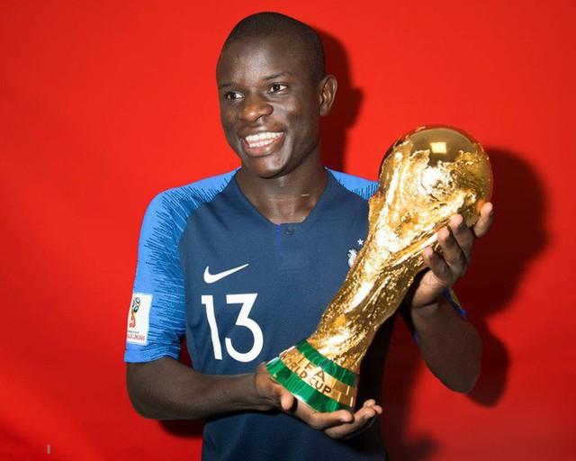N'Golo Kante: Có một nhà vô địch chỉ thích đứng sau ánh hào quang - Ảnh 6.
