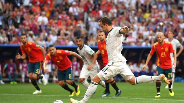 đầu tư giá trị - photo 1 15304930737861591696861 - Real Madrid làm, Barca phá, Man United không cứu nổi TBN trên chấm luân lưu định mệnh