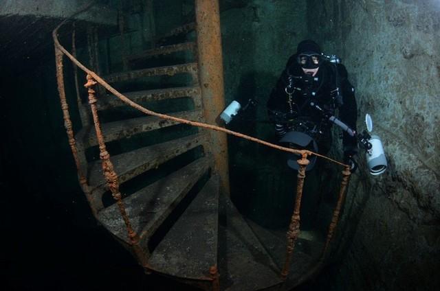 Thế giới ngầm nằm sâu 30m dưới thành phố Budapest - Ảnh 1.