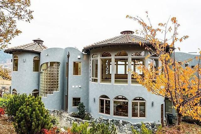 Bên ngoài thì rất bình thường, chỉ khi bước vào trong bạn mới hiểu tại sao ngôi nhà này có giá 7,6 triệu USD - Ảnh 18.
