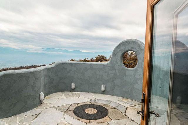 Bên ngoài thì rất bình thường, chỉ khi bước vào trong bạn mới hiểu tại sao ngôi nhà này có giá 7,6 triệu USD - Ảnh 19.