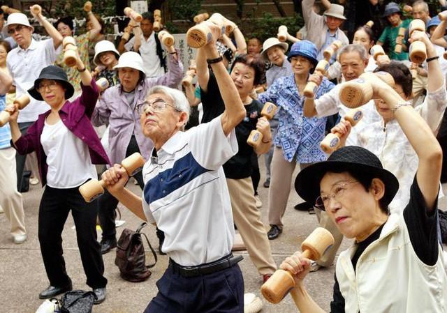 """[Case Study] Cách làm du lịch bá đạo của người Nhật: Thiên nhiên tuyệt mỹ, con người văn minh, chính sách thuận lợi và… """"của quý"""" cao 2 mét! - Ảnh 3."""