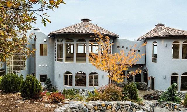 Bên ngoài thì rất bình thường, chỉ khi bước vào trong bạn mới hiểu tại sao ngôi nhà này có giá 7,6 triệu USD - Ảnh 21.
