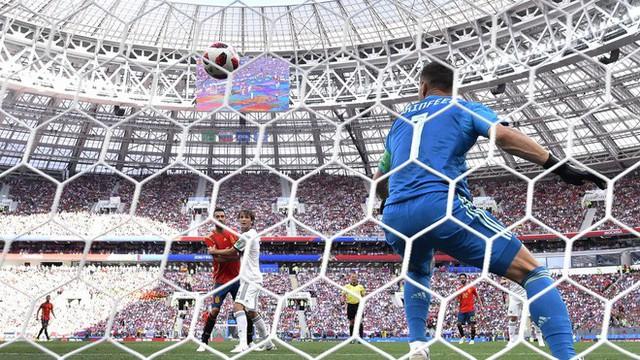đầu tư giá trị - photo 3 15304930751411242972790 - Real Madrid làm, Barca phá, Man United không cứu nổi TBN trên chấm luân lưu định mệnh