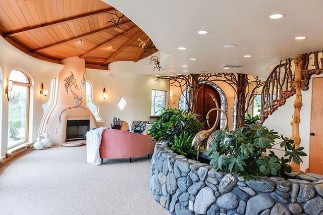 Bên ngoài thì rất bình thường, chỉ khi bước vào trong bạn mới hiểu tại sao ngôi nhà này có giá 7,6 triệu USD - Ảnh 9.