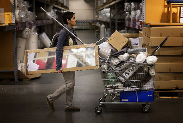Công thức bất hủ để bán hàng xịn giá bèo của IKEA: Tiết kiệm, tiết kiệm nữa, tiết kiệm mãi - Ảnh 7.