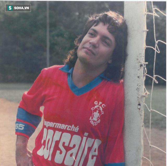 Cầu thủ bịp bợm vĩ đại nhất thế giới: Suốt 26 năm sự nghiệp, không đá một trận bóng nào - Ảnh 1.