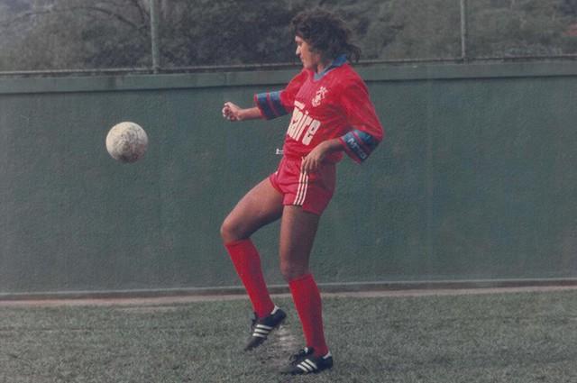 Cầu thủ bịp bợm vĩ đại nhất thế giới: Suốt 26 năm sự nghiệp, không đá một trận bóng nào - Ảnh 2.
