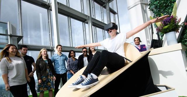 Công viên nước ở Đức ra mắt trượt ống kết hợp công nghệ thực tế ảo, cảm xúc tột đỉnh như lạc vào thế giới khác - Ảnh 1.