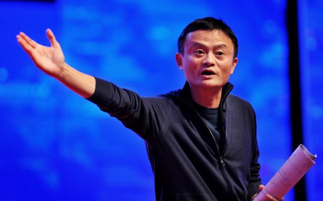 Jack Ma không tuyển người giỏi nhất, đặc biệt là các thạc sĩ vì cho rằng sinh viên ra trường mà học thạc sĩ luôn là vô ích