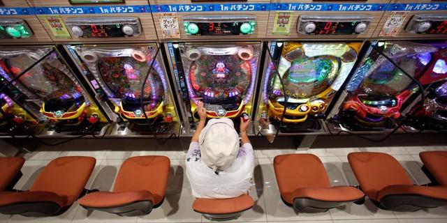 Máy điện tử Pachinko của Nhật Bản thu tiền nhiều gấp 30 lần casino tại Las Vegas - Ảnh 1.