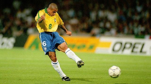 """đầu tư giá trị - photo 1 1530603342502787678277 - Lý giải cú sút phạt """"quả chuối"""" huyền thoại của danh thủ Roberto Carlos đã đi vào lịch sử bóng đá thế giới"""