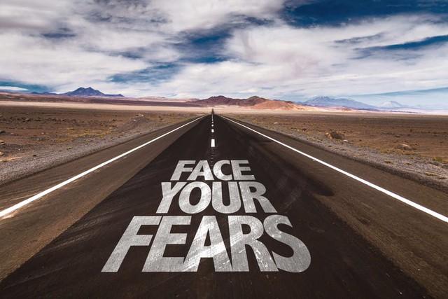 đầu tư giá trị - face your fears written on desert road 15330175182001404243573 - Không chỉ tầm nhìn, đây là tố chất quan trọng ai muốn làm lãnh đạo xuất sắc đều nên rèn luyện
