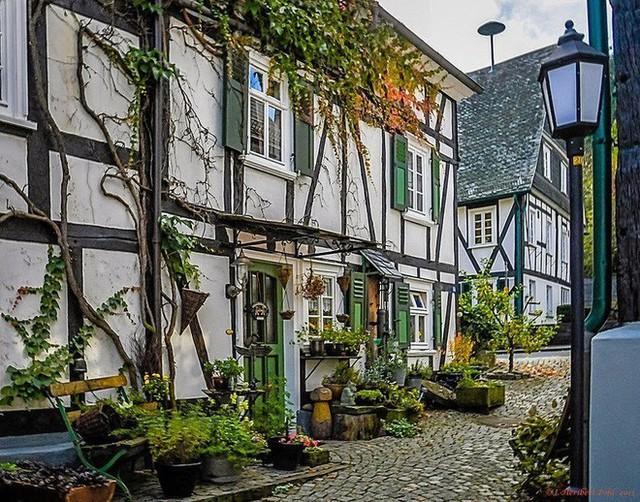 """Freudenberg - Thị trấn độc nhất nước Đức với hàng chục nhà trông như 1, tìm nhà gian nan chẳng khác gì """"mò kim đáy bể"""" - Ảnh 7."""