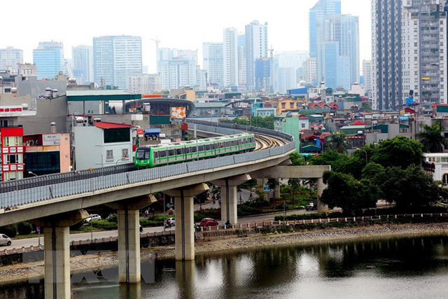 Cận cảnh chạy thử đoàn tàu tuyến đường sắt đô thị Cát Linh-Hà Đông - Ảnh 1.