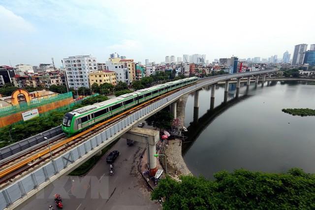 Cận cảnh chạy thử đoàn tàu tuyến đường sắt đô thị Cát Linh-Hà Đông - Ảnh 3.