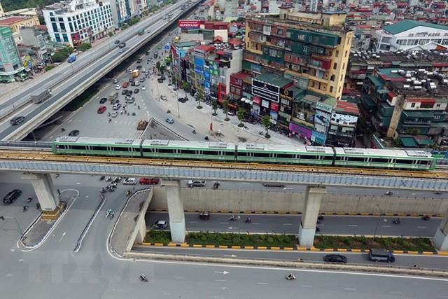 Cận cảnh chạy thử đoàn tàu tuyến đường sắt đô thị Cát Linh-Hà Đông - Ảnh 9.
