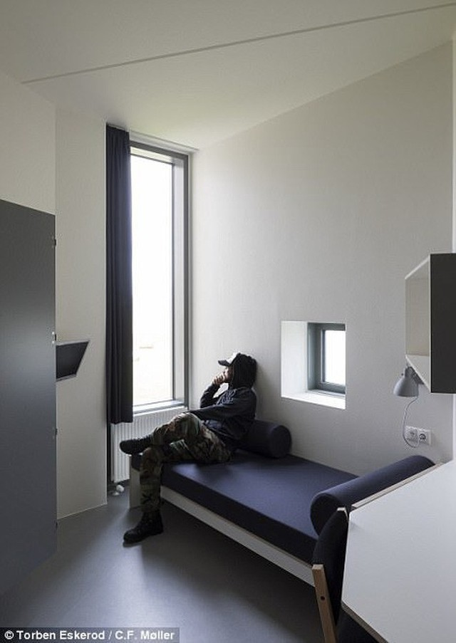 Nhà tù nhân đạo nhất thế giới ở Đan Mạch: Khuôn viên như khách sạn 5 sao, tù nhân thoải mái sinh hoạt và giải trí như ở nhà - Ảnh 7.
