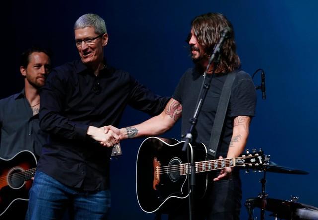 Tim Cook: Từ dấu hỏi khi thay thế Steve Jobs đến người đưa Apple đạt kỷ lục lịch sử - Ảnh 7.