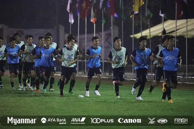 """đầu tư giá trị - photo 4 15342300303911299818539 - Tất cả các đội đều có sân tập đẹp, hà cớ gì U23 Việt Nam phải """"đi cày mặt ruộng""""?"""