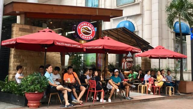 Lý do sau 5 năm vào Việt Nam, Starbucks chỉ có 38 cơ sở: Để mở một cửa hàng ở Sài Gòn cần ít nhất 5 tỷ đồng đầu tư trong khi đó 1 quán Coffee House chỉ tốn 1/2 - Ảnh 2.