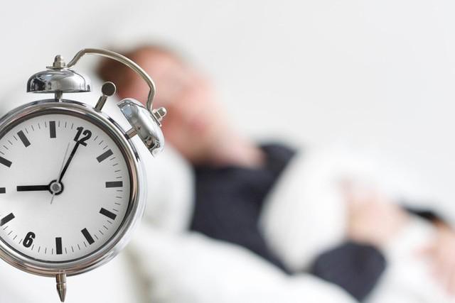 Ngủ nhiều hơn 8 tiếng mỗi đêm có thể là dấu hiệu cảnh báo tử vong sớm - Ảnh 1.