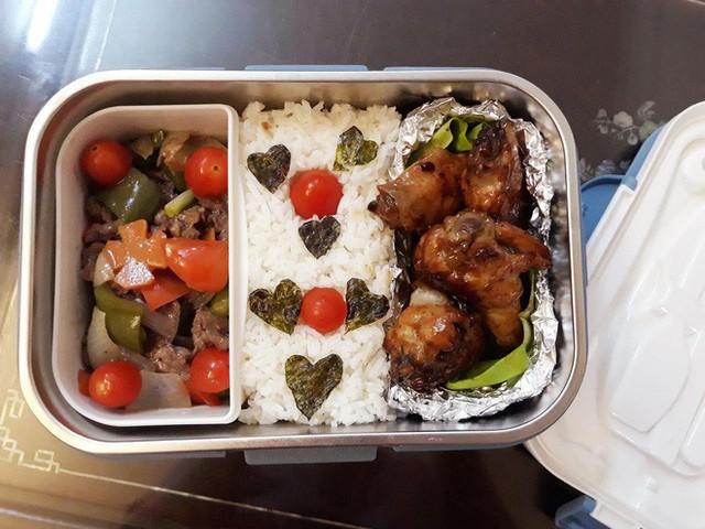 Vợ chuẩn bị đồ ăn vừa ngon vừa bắt mắt, anh chồng mắc cỡ chỉ dám len lén mở ra vào mỗi bữa trưa - Ảnh 3.