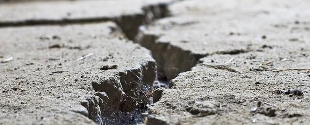 Những rãnh nứt khổng lồ đang xuất hiện ở Tây Tạng - chuyện gì đã xảy ra vậy? - Ảnh 1.