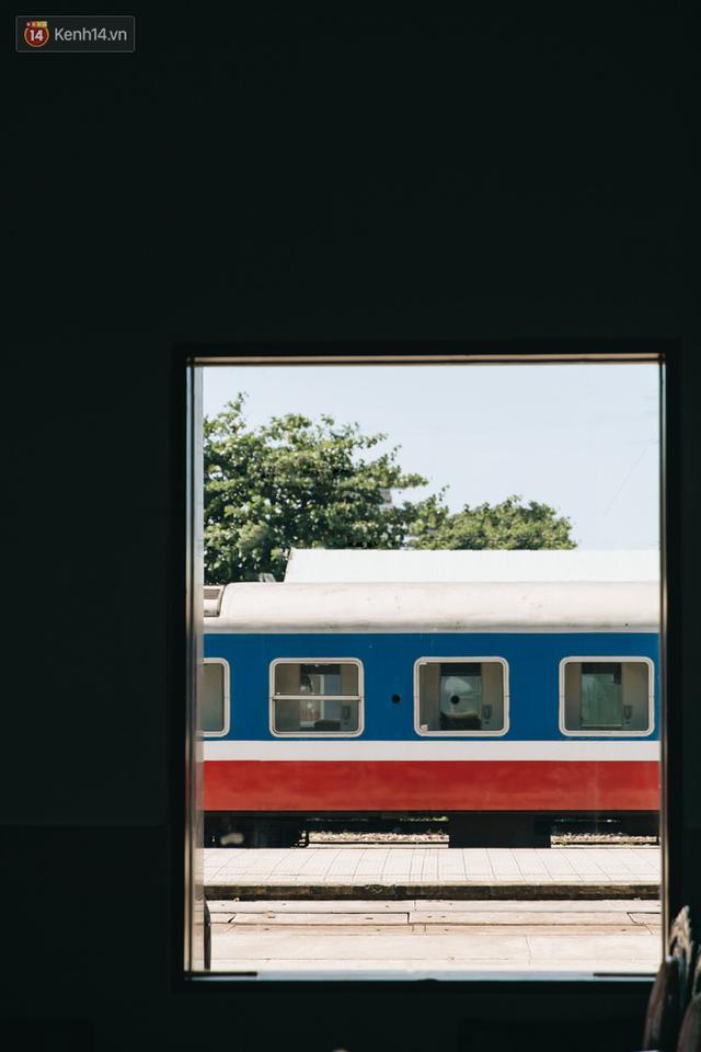 Hãy thử 1 lần đi du lịch bằng tàu hoả để tận hưởng cảm giác mùa hè lướt ngoài cửa sổ - Ảnh 3.