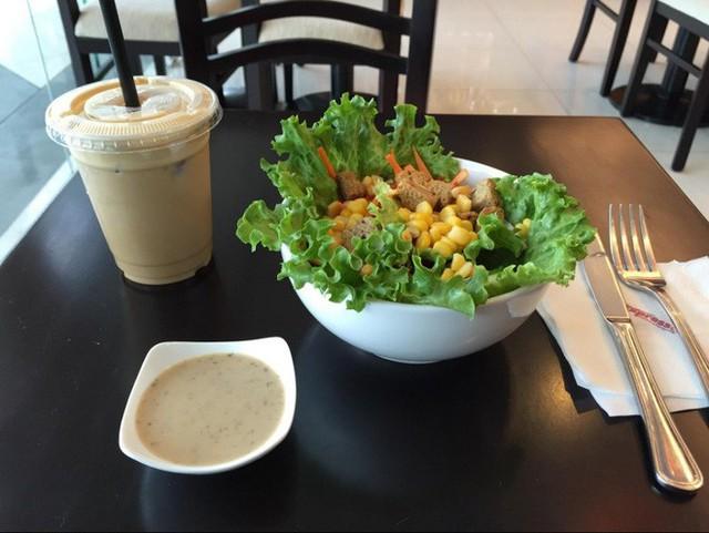 Những quán cà phê nổi bật nhất của Trung Nguyên ở Singapore - Ảnh 6.