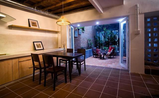 Giữ nguyên khung cũ nhưng từng góc của ngôi nhà 20 năm tuổi ở Sài Gòn đều rất ấn tượng nhờ cải tạo nhà thông minh - Ảnh 8.