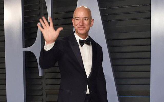 8 bài học kinh doanh từ người giàu nhất hành tinh