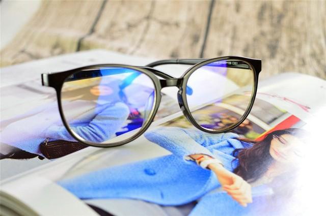Sự thật đằng sau những bài viết khẳng định ánh sáng xanh gây mù lòa - Ảnh 4.