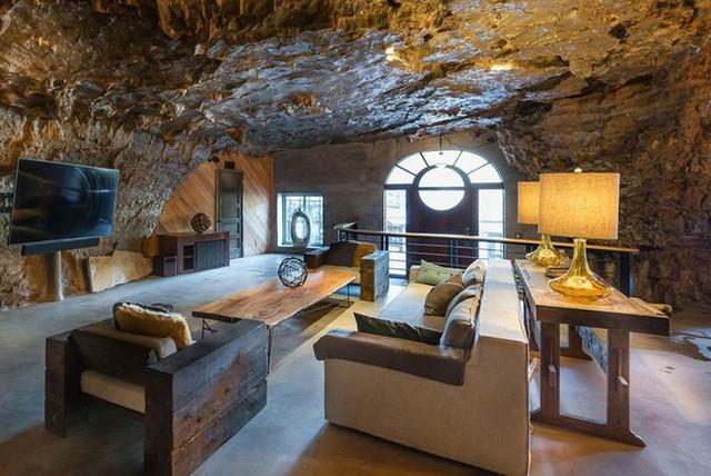 Hang động sang trọng nhất thế giới đang được rao bán với giá 58 tỷ đồng, bên ngoài hoang sơ bên trong mới thật sự bất ngờ - Ảnh 14.