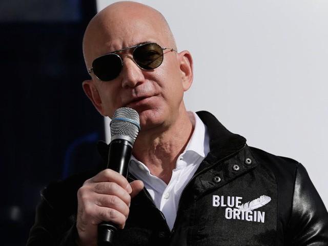 Không làm từ thiện nhiều như Bill Gates, người giàu nhất thế giới Jeff Bezos sử dụng 150 tỷ USD tài sản của mình như thế nào? - Ảnh 17.