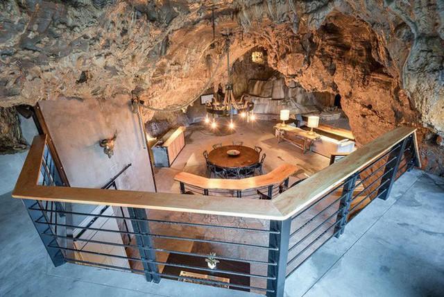 Hang động sang trọng nhất thế giới đang được rao bán với giá 58 tỷ đồng, bên ngoài hoang sơ bên trong mới thật sự bất ngờ - Ảnh 5.