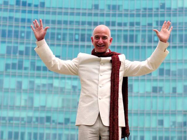 Không làm từ thiện nhiều như Bill Gates, người giàu nhất thế giới Jeff Bezos sử dụng 150 tỷ USD tài sản của mình như thế nào? - Ảnh 8.