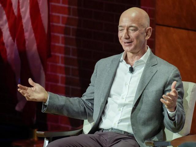 Không làm từ thiện nhiều như Bill Gates, người giàu nhất thế giới Jeff Bezos sử dụng 150 tỷ USD tài sản của mình như thế nào? - Ảnh 9.
