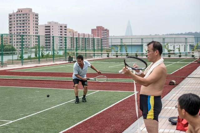 Ảnh: Tiết lộ về cuộc sống học tập và lao động thường ngày ở Triều Tiên - Ảnh 15.