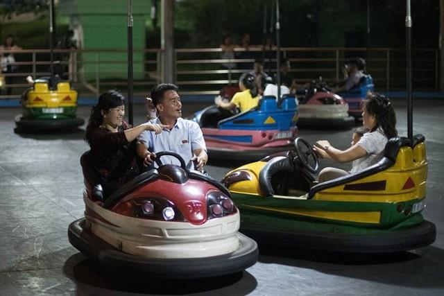 Ảnh: Tiết lộ về cuộc sống học tập và lao động thường ngày ở Triều Tiên - Ảnh 6.