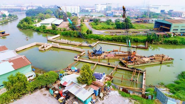 Chùm ảnh: Toàn cảnh sự bất động của loạt công trình chống ngập ở Sài Gòn vì... thiếu vốn, không còn bóng công nhân - Ảnh 11.