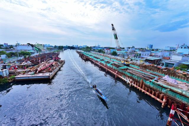 Chùm ảnh: Toàn cảnh sự bất động của loạt công trình chống ngập ở Sài Gòn vì... thiếu vốn, không còn bóng công nhân - Ảnh 17.