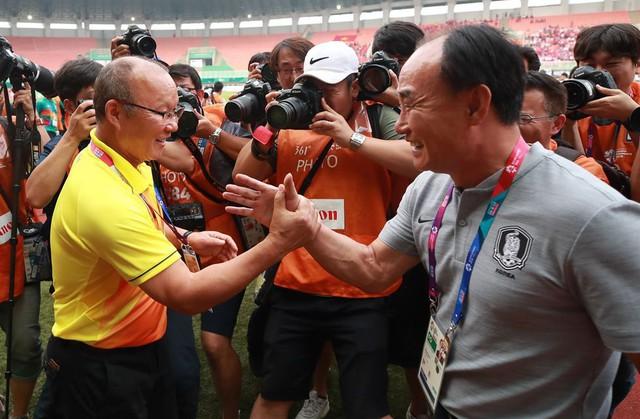 Báo Hàn: Doanh nghiệp Hàn Quốc thắng lớn nhờ bóng đá Việt Nam - Ảnh 1.