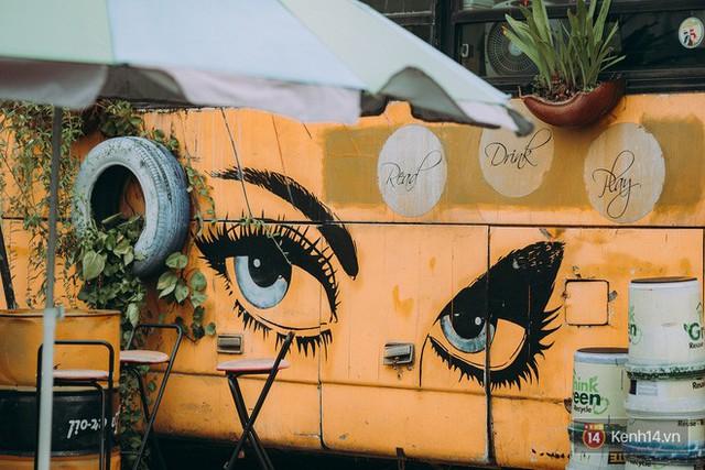 Phát hiện quán cà phê bus cực nhiều góc sống ảo ngay tại Hà Nội cho những ai còn băn khoăn cuối tuần không biết đi đâu - Ảnh 2.